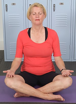 Free Mature Yoga Porn Pictures