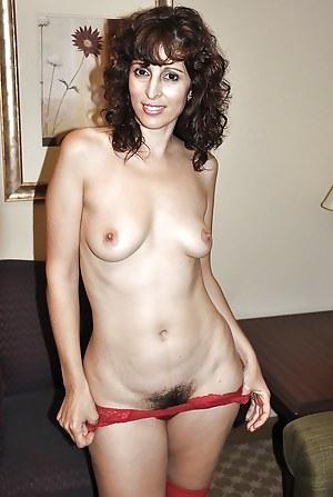 Free Arab Mature Porn Pictures