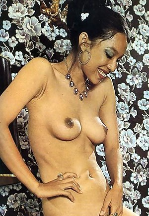 Free Mature Perky Tits Porn Pictures