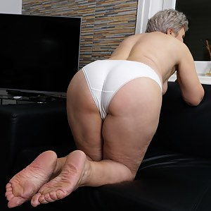 Free Mature Panties Porn Pictures